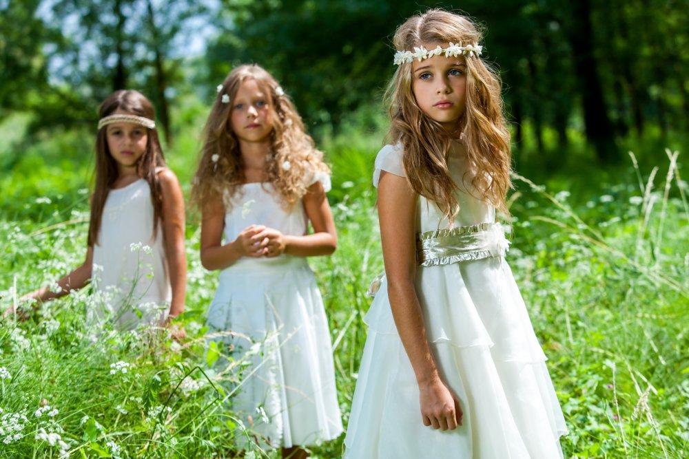 Comment je dois habiller ma petite fille à l'occasion d'un mariage ?
