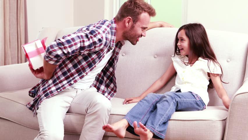 Soignez le cadeau à offrir à votre fille pour son anniversaire